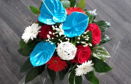 Bouquet Evènement bleu blanc rouge créé par D'Fleurs à Fontenay-le-Comte en Vendee