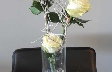 Composition florale Pureté roses blanches D'Fleurs Fontenay-le-Comte Vendée