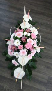 composition capot de voiture D'fleurs Fleuriste Fontenay le Comte